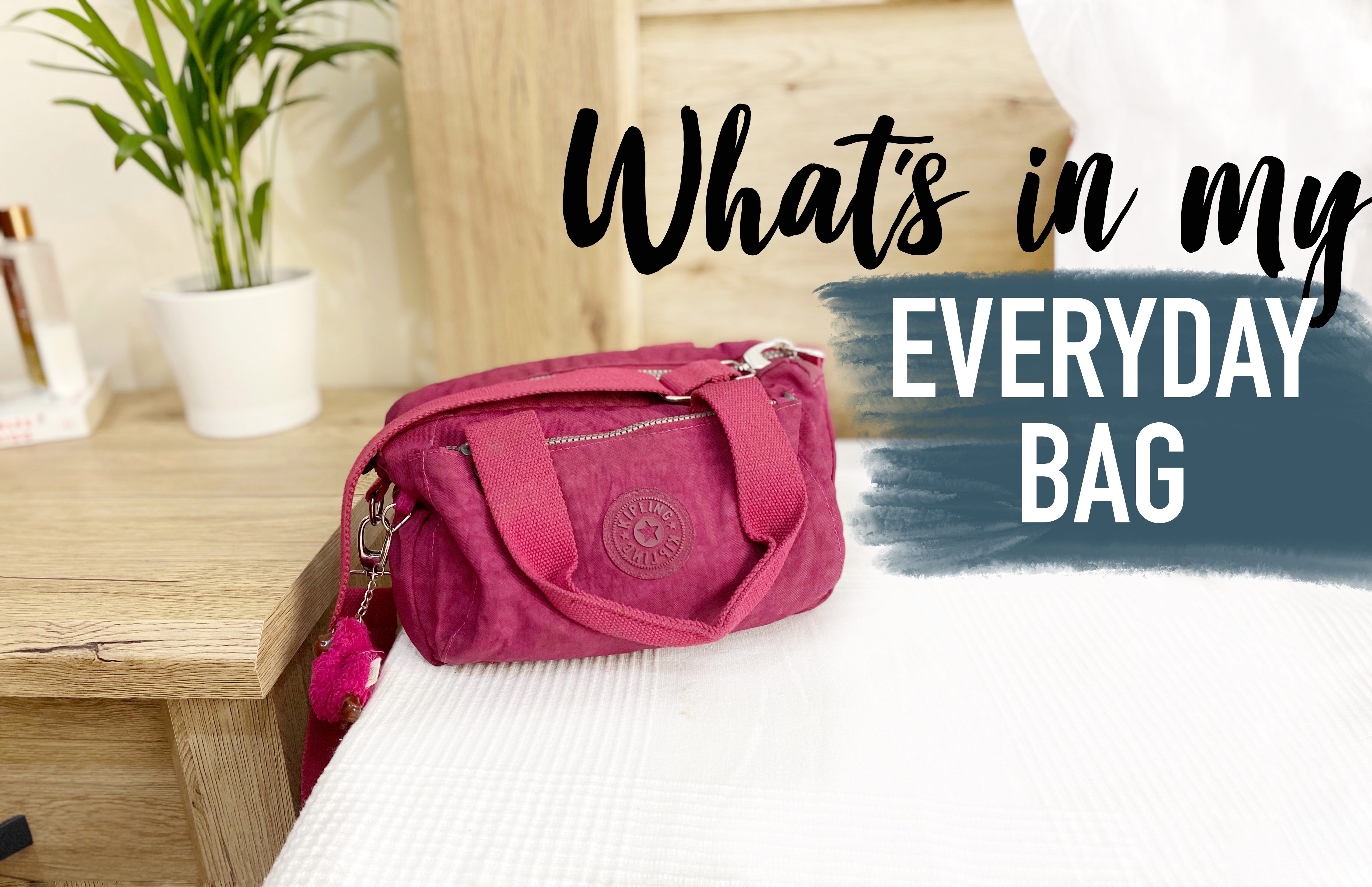 What's in my bag | Solo Trip Edition